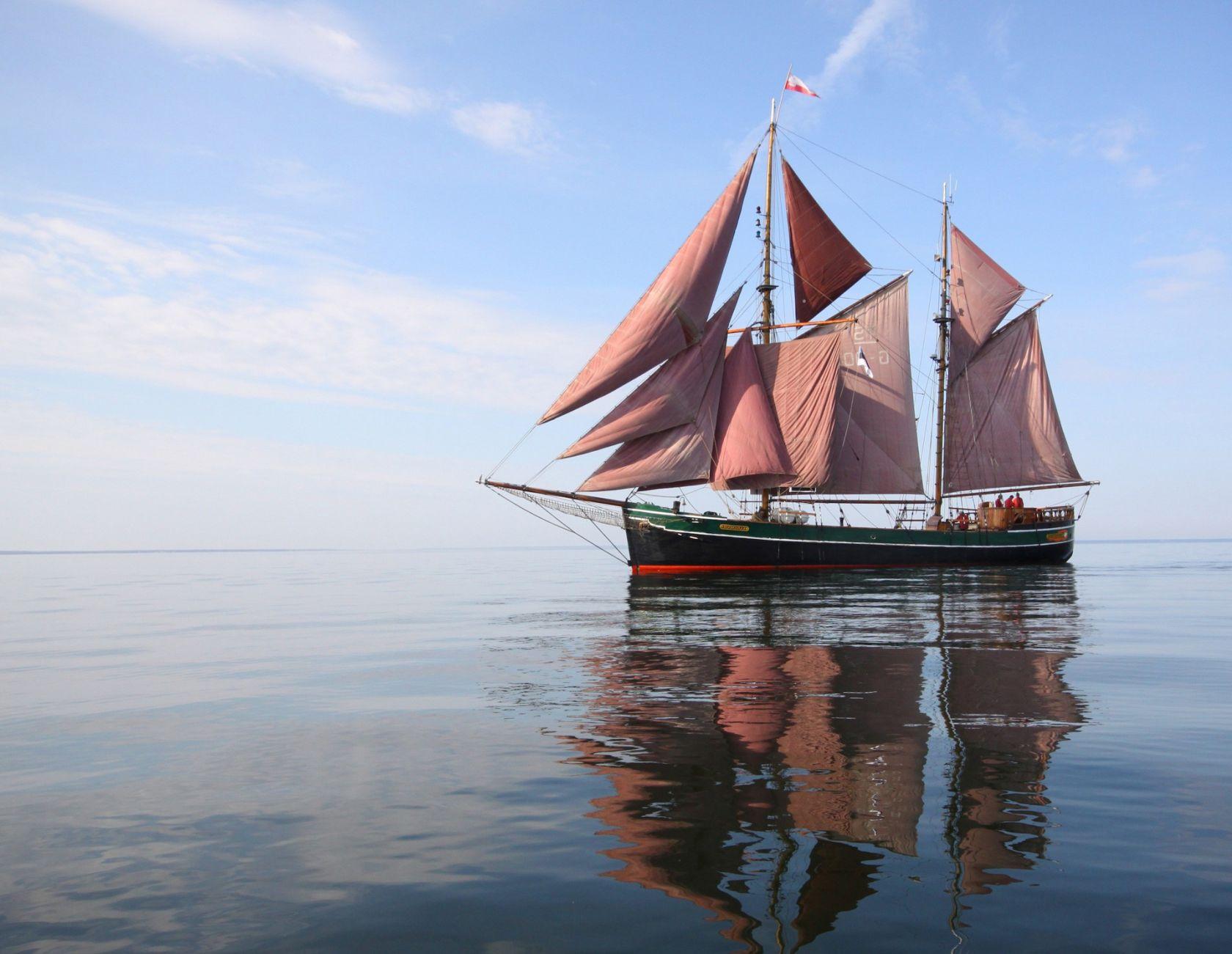 The ship Kajsamoor trips during 2015 summer season