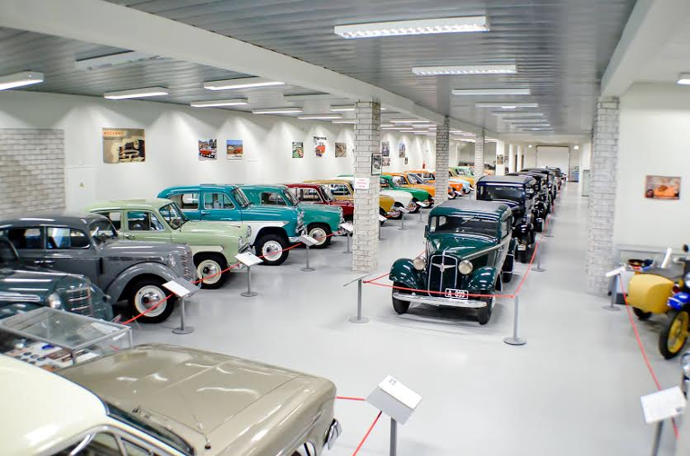 New car museum