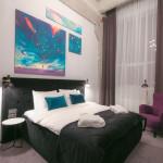 Loop Hotel 2